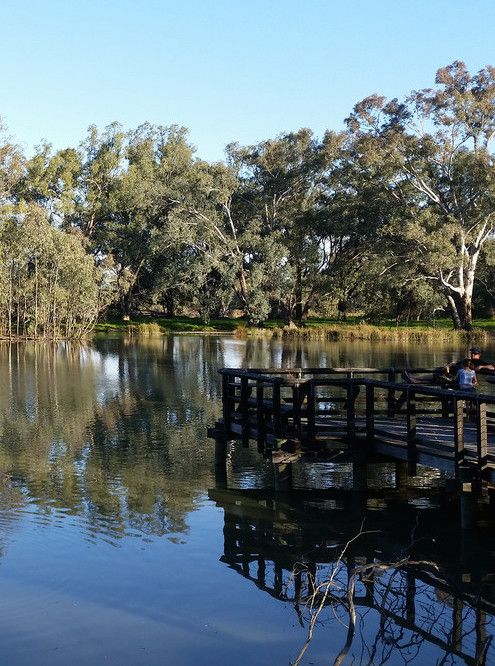 10 hour road trip from sydney to melbourne, what to see and where to stop. Albury-Wodonga on the Murray River http://www.bloggerme.com.au/states/murray-river Australia