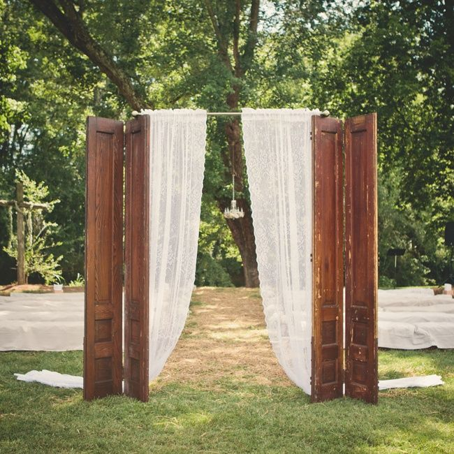 Fun Idea for the Pefect Altar infront of our Beautiful Pond.. our visitng brides are always looking for suggestions!