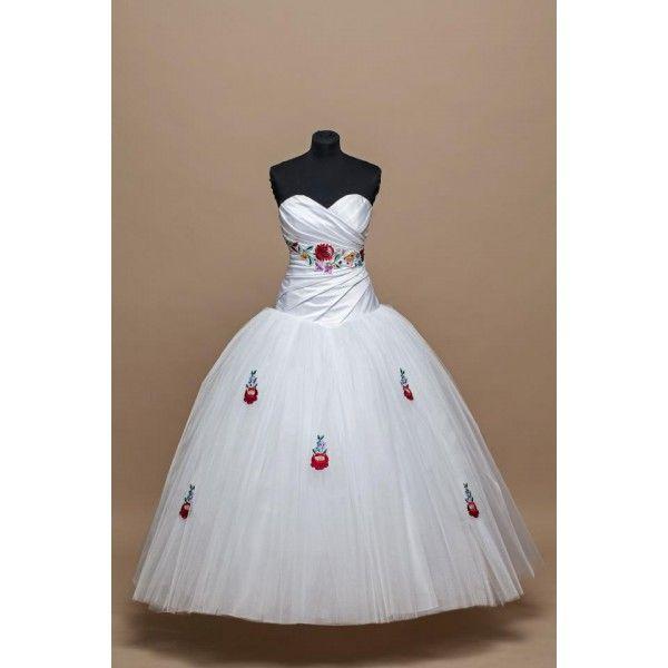 21a6f40b8b Menyasszonyi ruha, kalocsai, himzett, taft, tüll, egyedi, düssesz, | Magyar  ruha és cipő