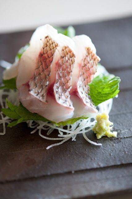 collectorandco:    tai red snapper sashimi / 鯛の刺身