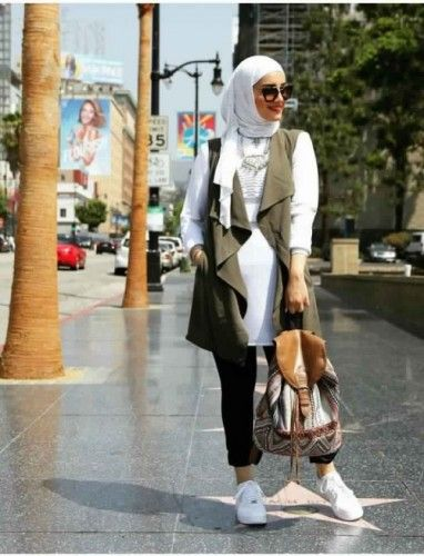 Dalal hijab style, Hijab chic from the street http://www.justtrendygirls.com/hijab-chic-from-the-street/