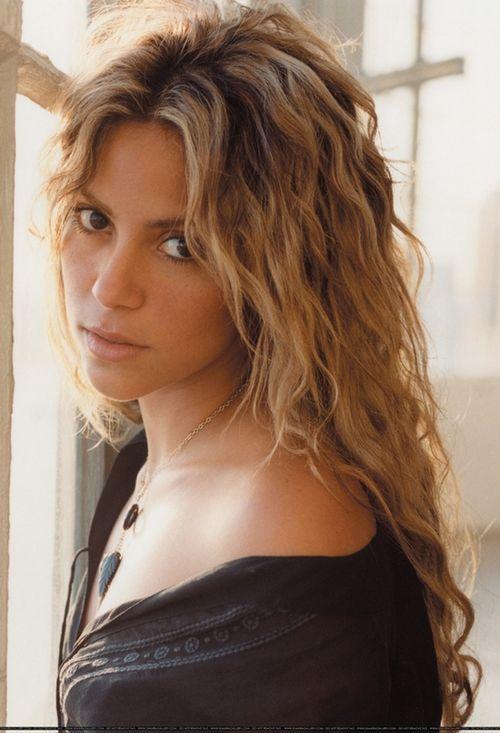 I would love Shakira-esque hurr