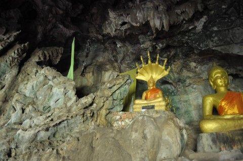 Visiter les grottes de Thakhek au Laos