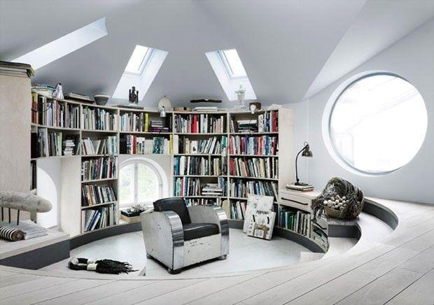 http://casavogue.globo.com/Interiores/noticia/2012/06/paredes-inclinadas-e-curvas-definem-decor.html