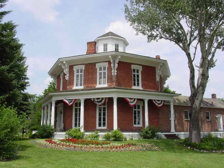 14 best octagon houses images on pinterest octagon house for Octagonal house plans