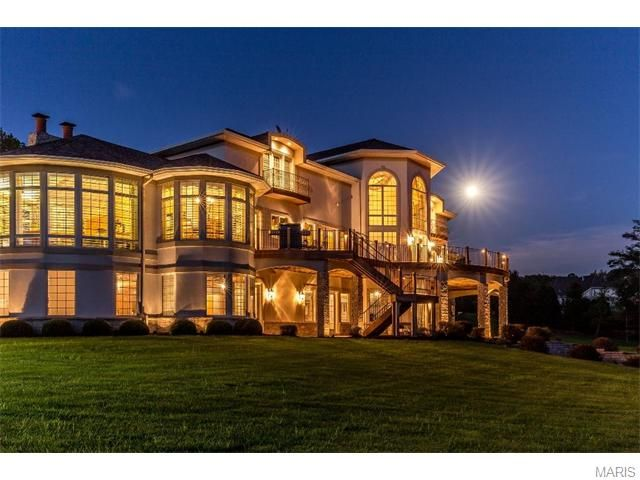 This Chesterfield, MO home positively glows by night!