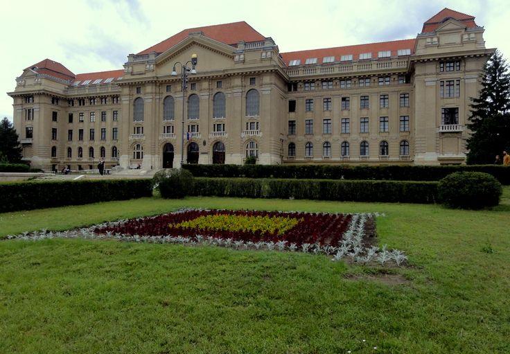 University of Debrecen (Debreceni Egyetem).