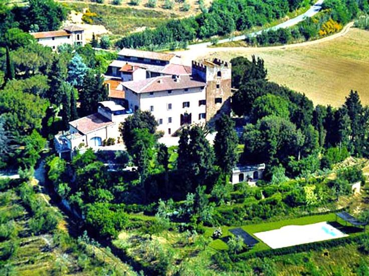 Apartment Giuseppa is a Tuscany apartment rental forming a part of a lovely villa, set in Certaldo, Florence. The apartment has wonderful views of the hills and the famous San Gimignano towers. http://www.ciaoitalyvillas.com/tuscany-vacation-rentals/florence/certaldo/10652