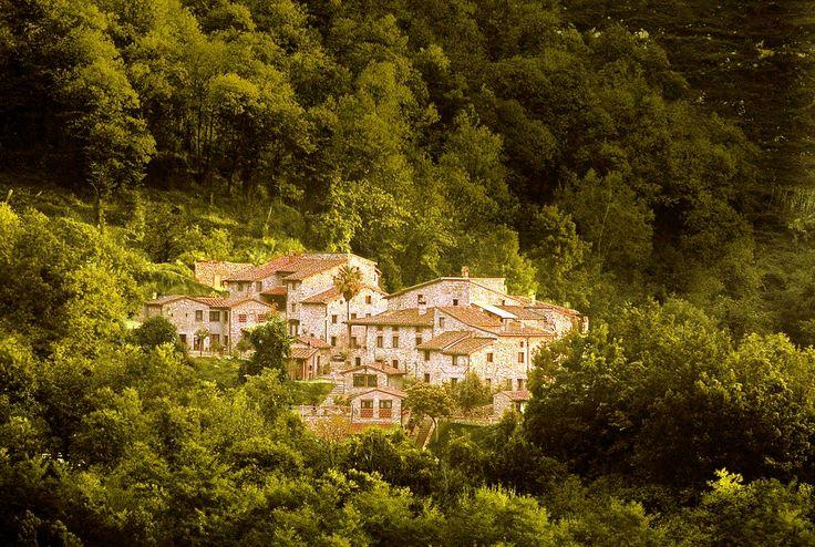 Borgo Giusto, immerso nel verde. Solo su http://selection.corriere.it/, fino al 24 luglio.