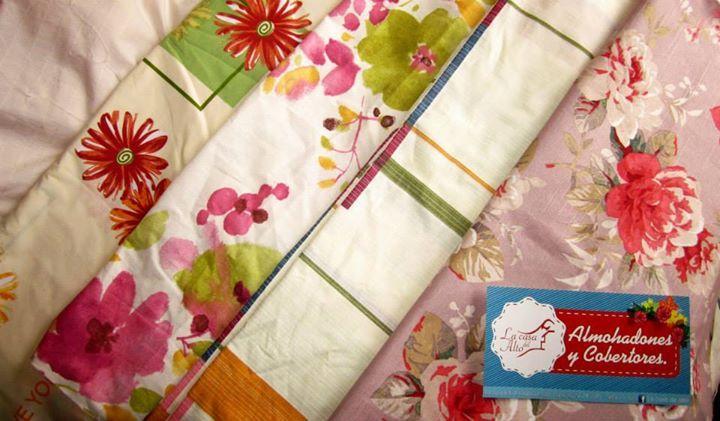 Diseños de telas para cobertores ya hechos.