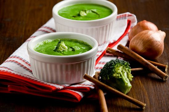 Detox with Broccoli, Courgette and Blue Cheese Soup