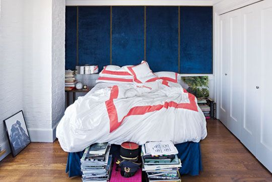 /: Blue Velvet, Colors Combos, Blue Wall, Navy Wall, Hotels Interiors, Future Rooms, Linens, Beds Nooks, Accent Wall
