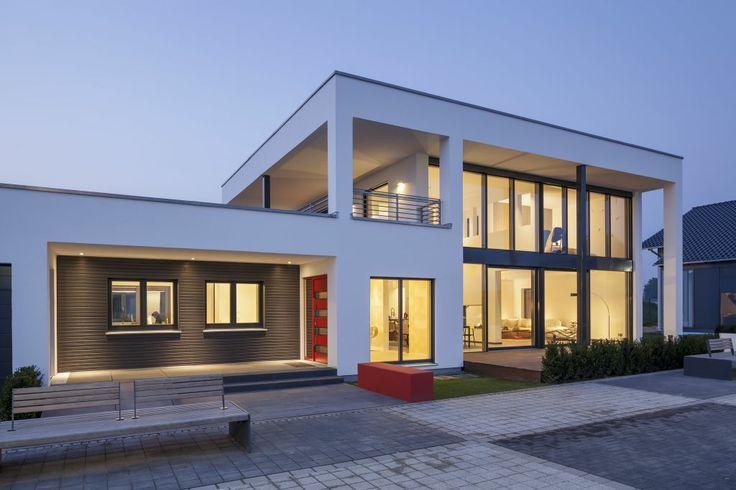 Unser Musterhaus in der Fertighauswelt Köln-Frechen.  Mehr Informationen dazu finden Sie unter www.luxhaus.de
