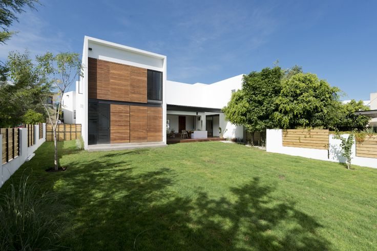 Jardin Casa ATT | Dionne Arquitectos #architecture #design #exterior #garden
