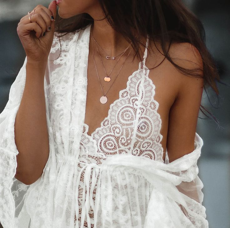 fashion blogger, blogger fashion, ootd, white lace, lace details, outfit of the day, outfit ideas, style inspiration, boho chic, beach babe | JAMIALIX.COM | @jamialix