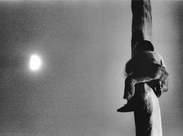 Mario Dondero, «L'uomo che voleva raggiungere la luna» (1994)