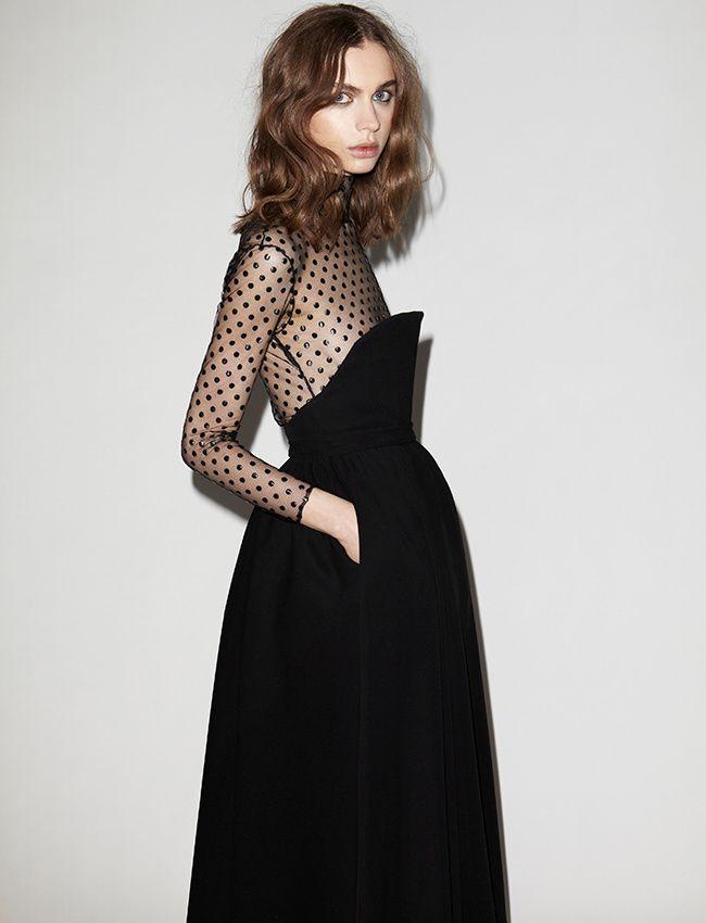Entre plumetis et découpe bustier, cette robe noire Houghton a tout bon !