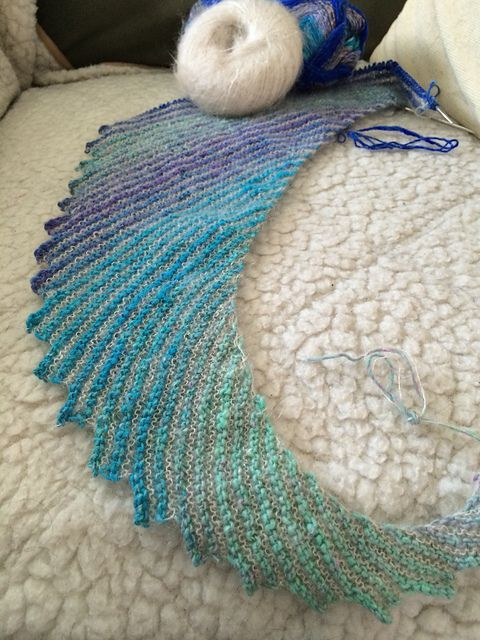 Ravelry: Project Gallery for Hitchhiker shawl pattern by Martina Behm