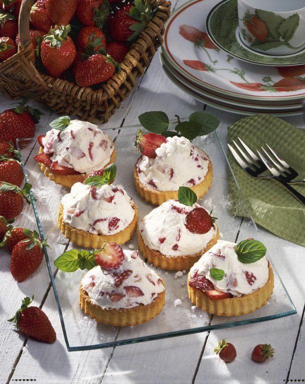 Unser beliebtes Rezept für Leichte Erdbeer-Torteletts und mehr als 55.000 weitere kostenlose Rezepte auf LECKER.de.