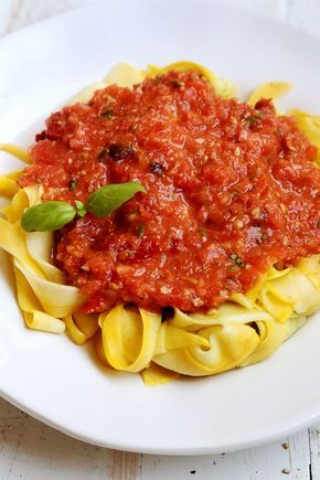 Raw Vegan Marinara Sauce with Yellow Squash Fettuccine - Noodles and Pasta, Raw Vegan, Recipes, Vegetables - Divine Healthy Food