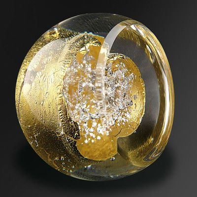 The glass makers of Bréhat create unique decorative hardware and lighting with molten glass, gold and silver. #knob #glassknob #unique #decorative #hardware #cabinetknob #doorknob #luxury #luxurious #rich #luxuriousdesign #luxurioushome #luxuriousdetail #interiordesign #interior #design #luxurioushardware #luxuryhardware #motherofpearl #motherofpearlandsons #motherofpearltrading