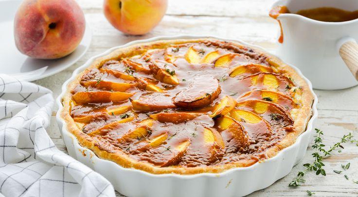 Персиковый пирог с карамелью и тимьяном
