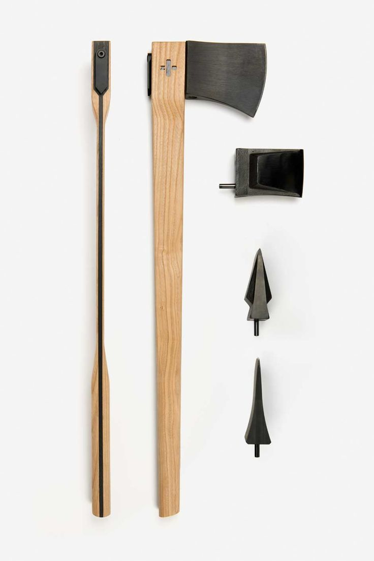 KACPER HAMILTON - The Core Axe consists of a helve and two interchangeable heads.