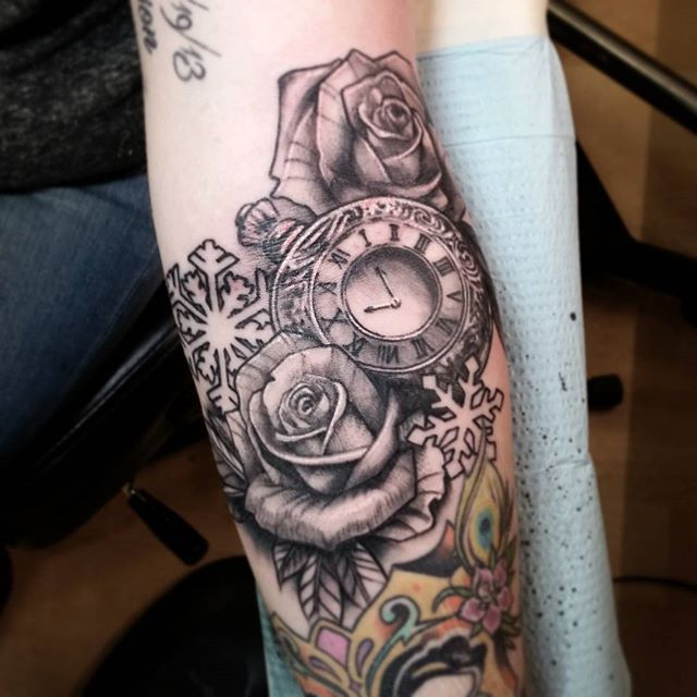 Best 25 time piece tattoo ideas on pinterest clock for Time piece tattoos