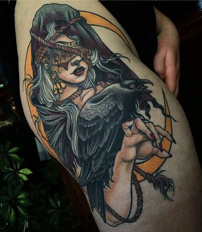 tattoo vorlagen frauen, frau ohne augen, spitze rote nägel, gelber halbmond, se…