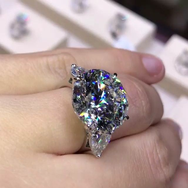 Jewelry Magazine On Instagram Can T Take My Eyes Of This Stunning 12 Carats Diamond Ring By Gemma Finejewelry 12 Carat Diamond Diamond Fine Diamond Jewelry