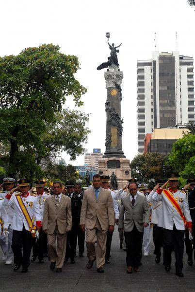 Parque Centenario is a park in Guayaquil.
