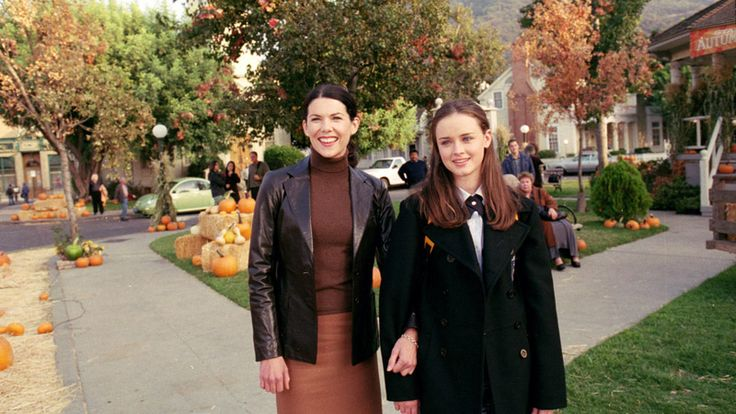 This store helps you dress like a Gilmore girl. http://www.revelist.com/tv/gilmore-girls-fashion-costume-store/5547