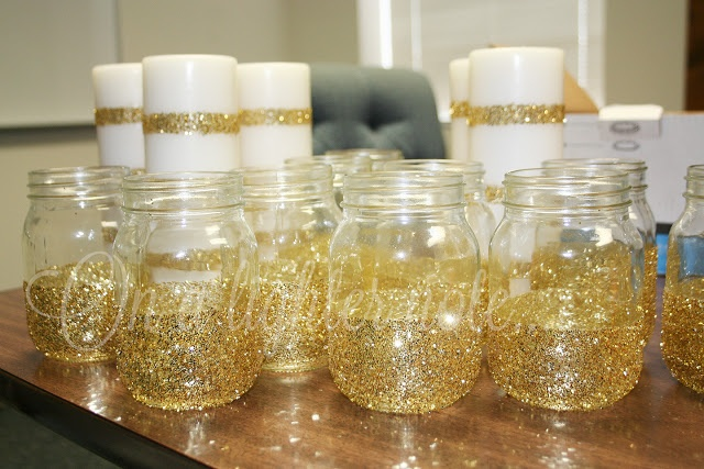 On a lighter note...: DIY: Glitter Mason Jars