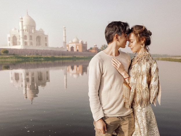 """Here Are All The Photos The Dude Who """"Follows"""" His Wife Around The World Took In India In 2016"""