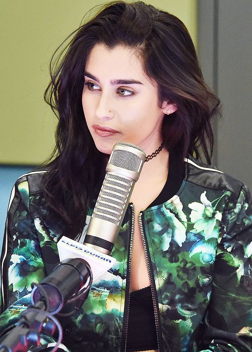 Lauren Jauregui awsome fashion style and your black hair goes perfectly with colored eyes love your voice and see her video (wright on me ) seems so happy it makes u happy look up to u