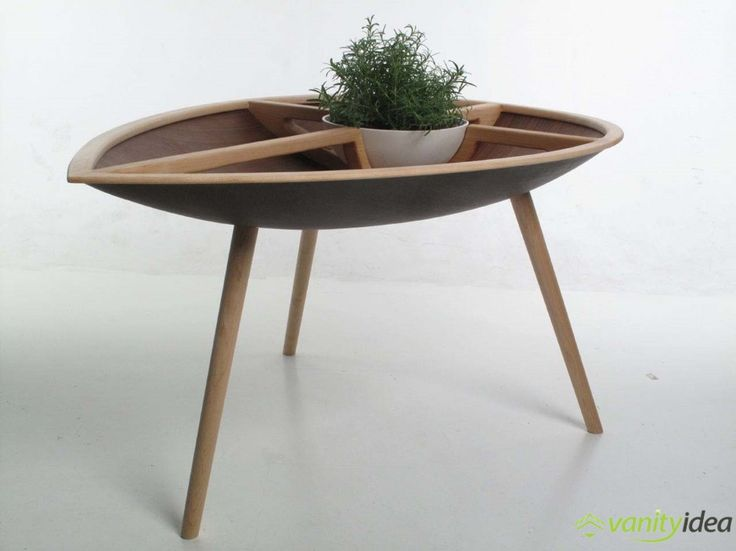 the spire table like the chair has tree legs