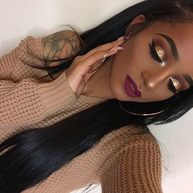 """I wanted a crazy gold glitter so I mixed 6 different shades of gold together...(most from the craft store). Lips - """"Cassie"""" by @_lipsbyvictoria"""