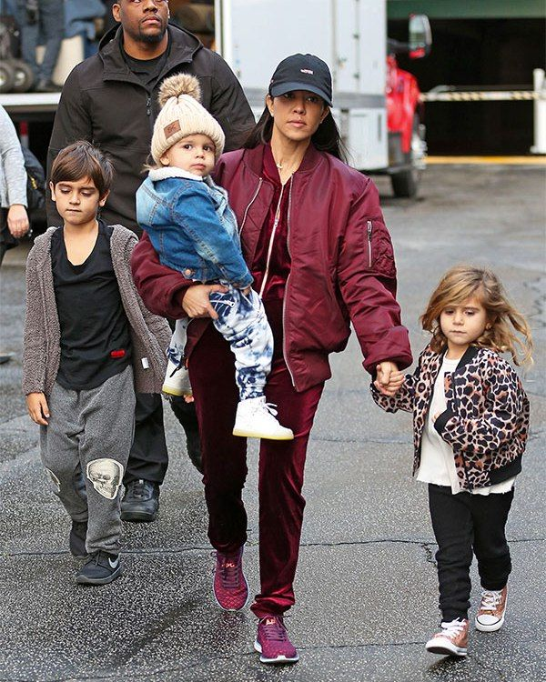 Scott Disick Ditches Kourtney Kardashian & Leaves Her To Juggle All 3 Kids: #KUWTK