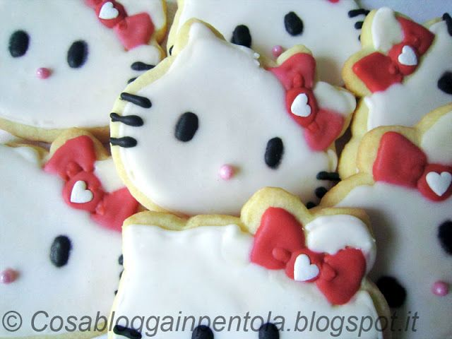 Cosa blogga in pentola: Biscotti Hello Kitty