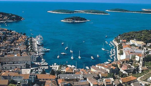 Best places in Hvar, Croatia: hotels, bars, restaurants, shopping