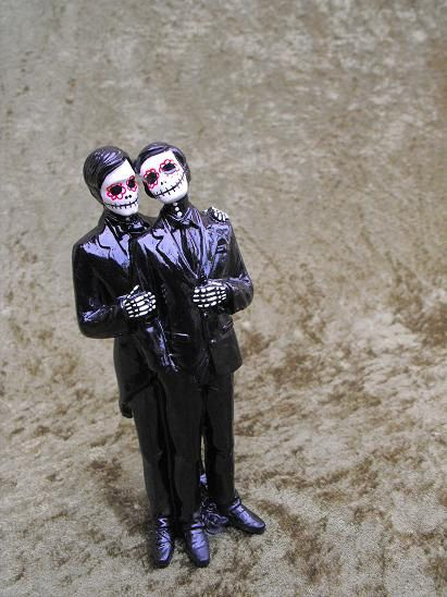 Skeleton cake topper:   21 Cake Toppers For Your Fabulously Unique Gay Wedding