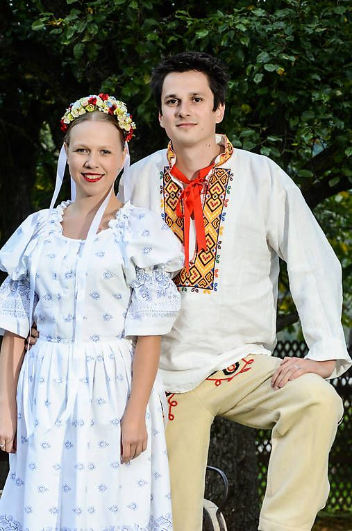 krasavrukach / Biele šaty s modrým vzorom.