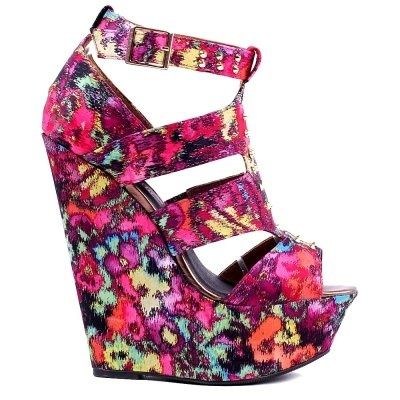 Wear wedges? ;) What do you say to such a model? #fashion #summer #wedges #sandals