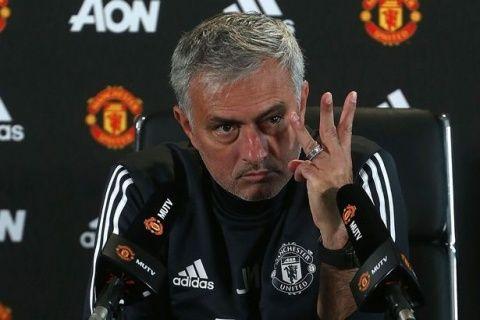 Jose Mourinho is like my dad Brian says Burtons Nigel Clough