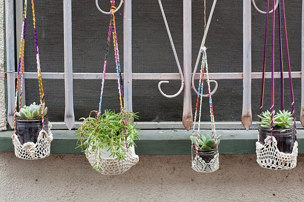 10 Easy To Make Hanging Planters