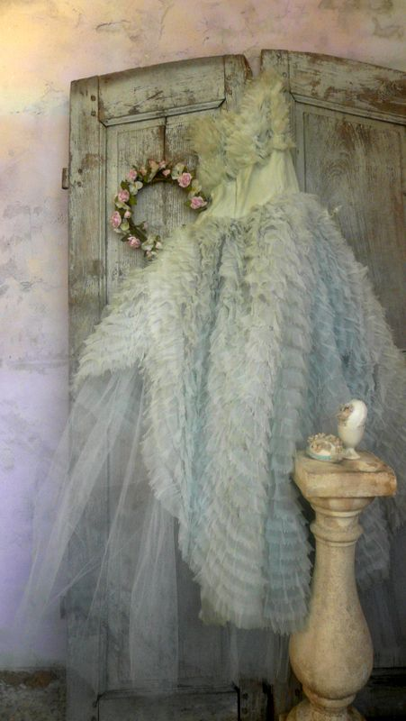 Reminds me of a dress my mother described to me - one she wore to a dance in the 40's