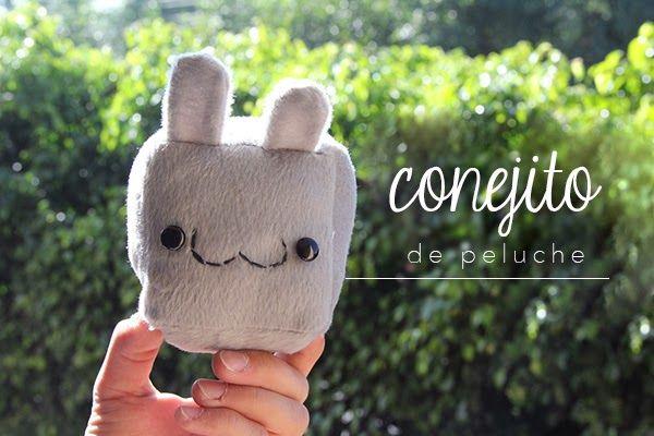 Conejito de peluche: idea de regalo :3 Súper sencillo, aprende a hacerlo dando clic Está hecho con tela y tiene la carita del :3 es un perfecto regalo de amor y amistad.
