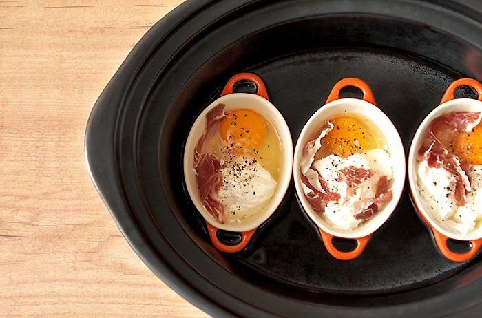 Huevos en cocotte cocinados en Crock Pot