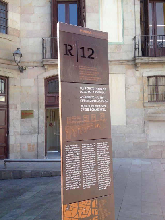 1000 images about design signage on pinterest - Casco antiguo de barcelona ...