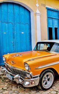 Havanna: klassische amerikanische Autos, wohin das Auge reicht